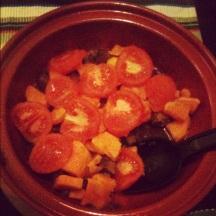 Rundvleestajine met zoete aardappel en tomaat