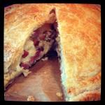 Hartige taart met knolselderij bacon en bladerdeeg